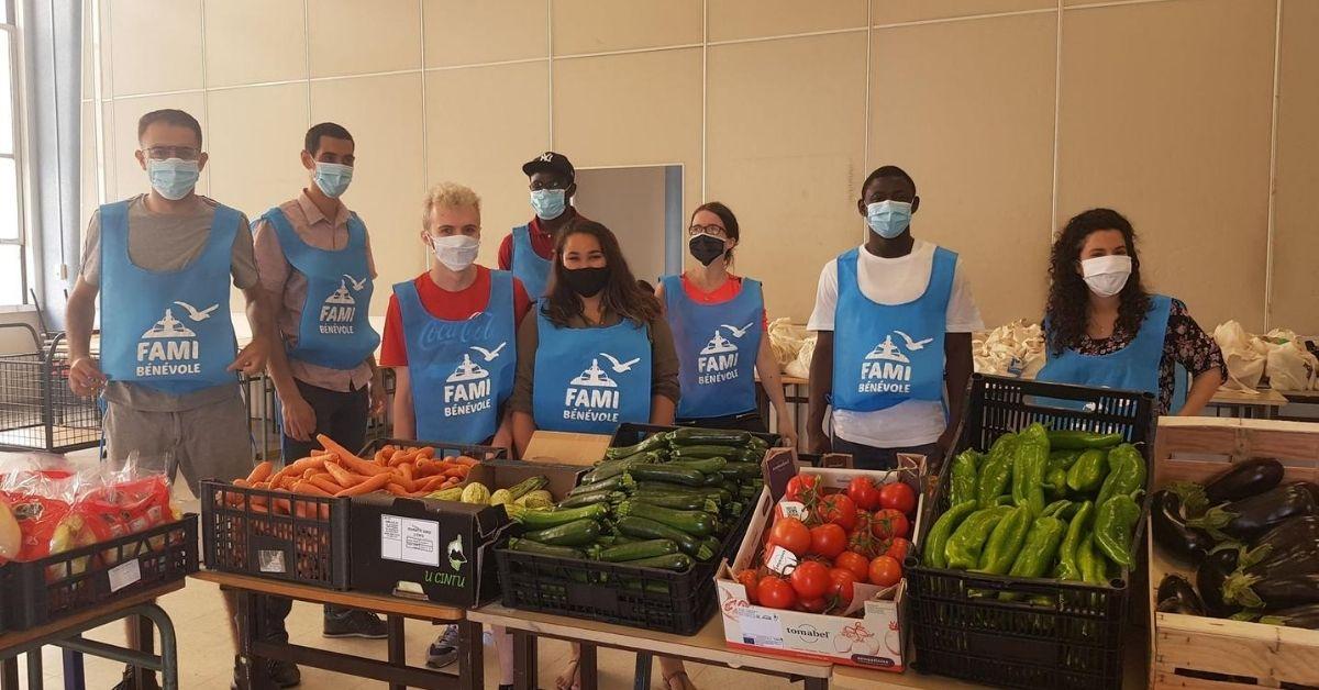 Benevoles de la FAMI engagés en faveur de l'aide alimentaire